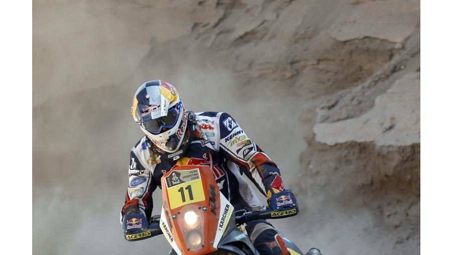 Ruben Faria lidera nas motas