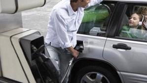 Abastecer o carro será mais barato na próxima semana