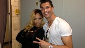 Ronaldo resiste a atraso de Rihanna
