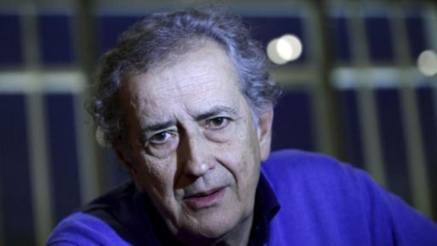 O realizador português António Pedro Vasconcelos recebe o Prémio Consagração de Carreira da Sociedade Portuguesa de Autores