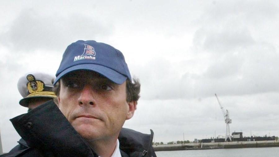 Paulo Portas assinou o contrato de compra dos submarinos