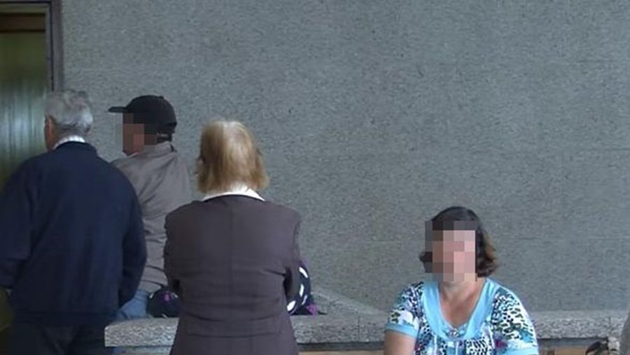 Mãe e avó das vítimas trabalhava como doméstica na casa do idoso e era amante daquele desde 2005