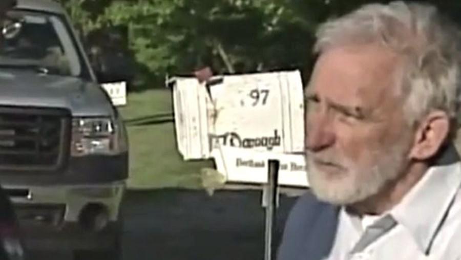 O homem desaparecido aproximou-se dos jornalistas quando estes davam a notícia do seu desaparecimento