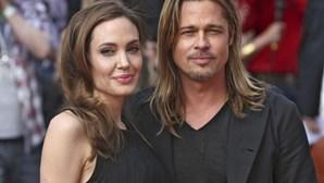 Angelina Jolie reaparece após retirar seios (COM FOTOS)