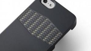 Capa para telemóvel expõe antena antirradiação