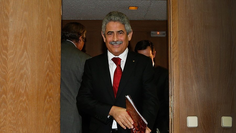 Pinto da Costa lidera a SAD portista. Recebe 400 mil euros. Luís Filipe Vieira preside à Benfica SAD mas não é remunerado.Bruno de Carvalho prescindiu do salário como presidente da SAD.