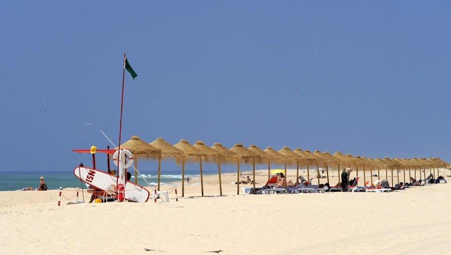 Praia deserta na Ria Formosa