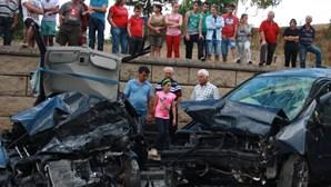 Oito feridos em acidente