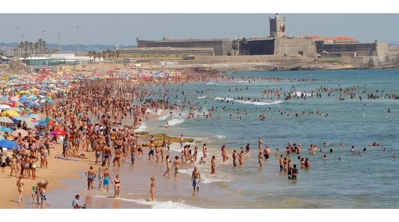 36eb14d1c6e90 Praia de Carcavelos interdita a banhos - Sociedade - Correio da Manhã