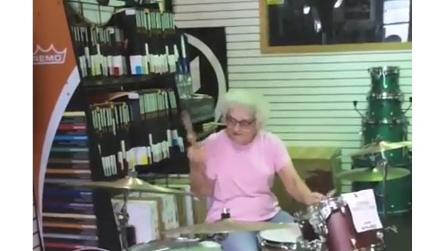 bateria, avó, surpreendeu, Estados Unidos da América, Wisconsin