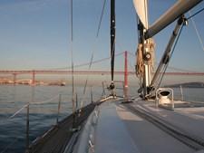 7. Marlin Boat Tours: Com preços entre os 20 e os 200 euros pode fazer passeios de barco pelo rio Tejo
