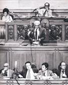 Depois de as primeiras eleições democráticas resultarem na vitória do PS, Cunhal contestou a governação de Mário Soares