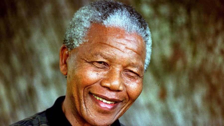 """Em comunicado da presidência pode-se ler que """"embora sua recuperação seja progressiva, Madiba ainda permanece em condição crítica"""""""