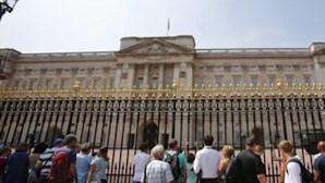 Detidos por 'invadir' o Palácio de Buckingham