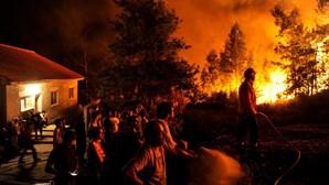 Fogo ameaça casas e provoca pânico