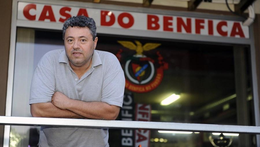 """Junto à casa do Benfica do Fundão, cidade """"onde toda a gente se conhece"""""""
