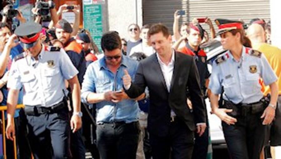 Lionel Messi foi ontem testemunhar a tribunal