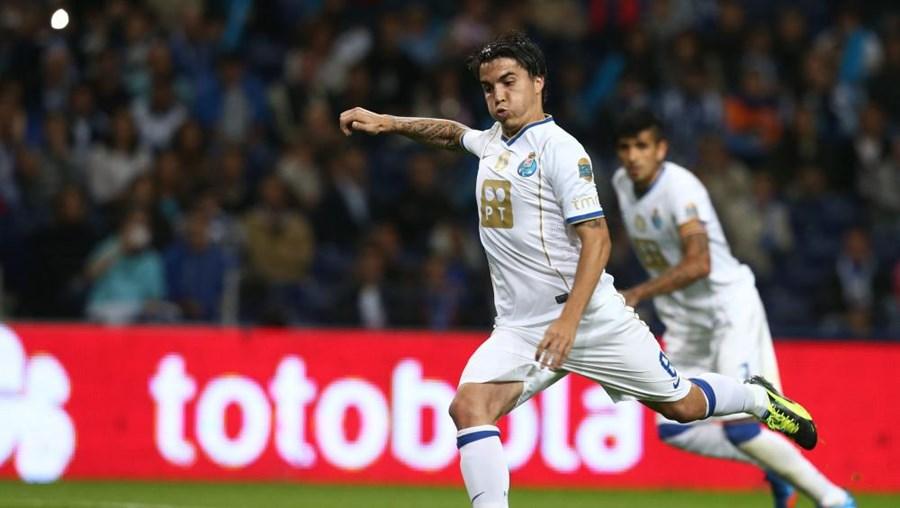 Josué converteu o penalti, fazendo assim o único golo do jogo e dando a vitória aos dragões