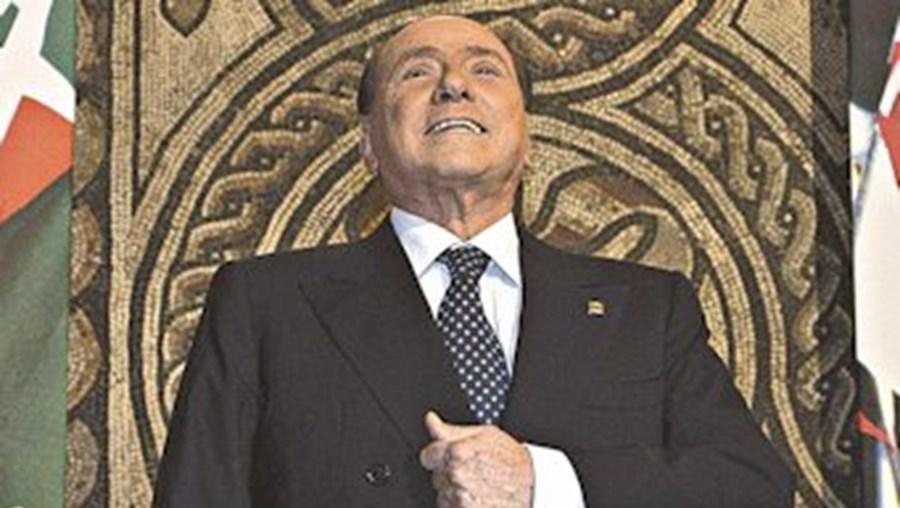 Um dia antes de cumprir 77 anos, Berlusconi derrubou o governo de coligação de Enrico Letta
