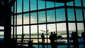 Autoridades dos EUA vão aumentar fiscalização para travar passageiros insubordinados em aviões
