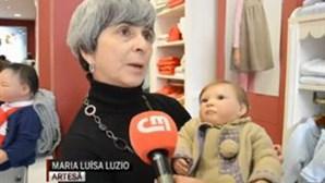 Bonecos que parecem bebés reais são moda