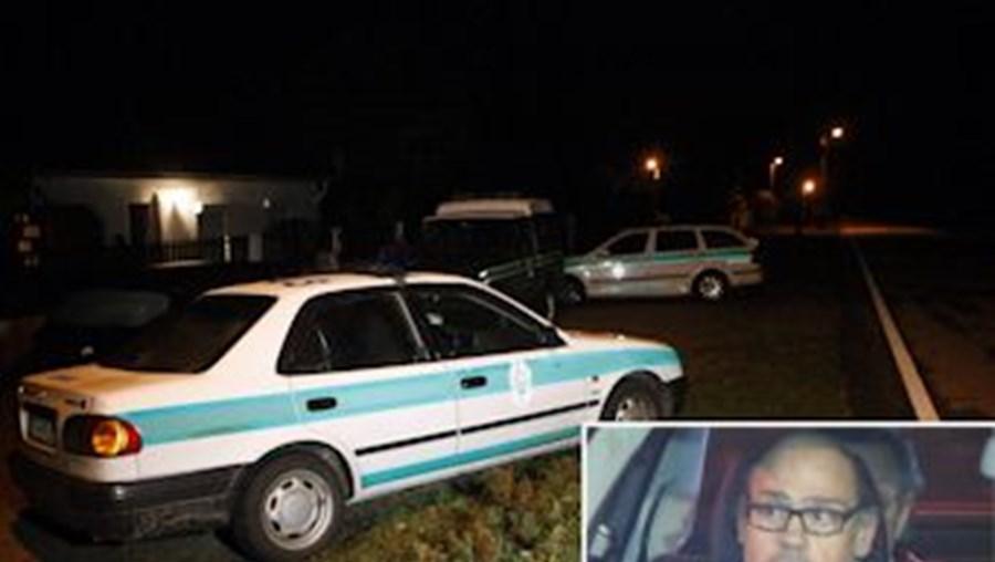 GNR procurava ontem, ao início da noite, em Paredes de Coura, os dois raptores do médico António Veloso. Guardas estavam fortemente armados