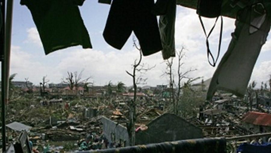 Destruição causada pelo tufão Haiyan