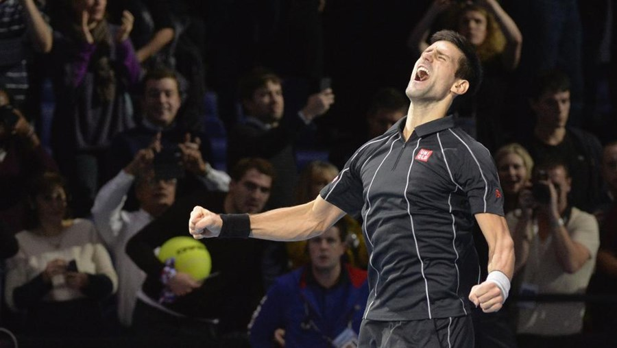 Na luta entre os dois primeiros do ranking, foi melhor o homem que terminou as últimas duas épocas na liderança, com Djokovic a conseguir revalidar o título do Masters