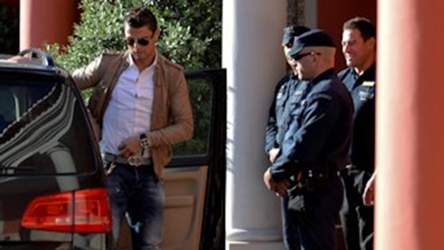 Cristiano Ronaldo chegou a Óbidos às 14h58