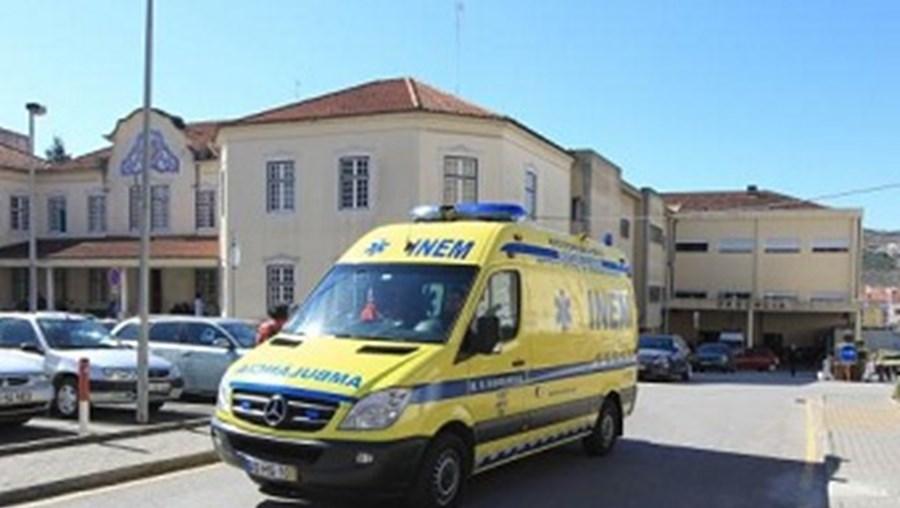 Jovem esfaqueado foi atendido nas urgências do hospital de Torres Vedras