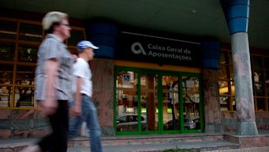 Em outubro o valor das pensões da CGA subiu cerca de 275 euros