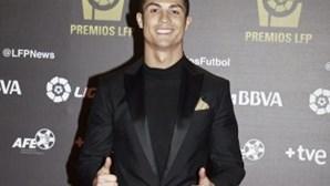 Ronaldo mostra filho na Internet