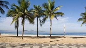 Praia de Ipanema vai receber 3000 mulheres em topless