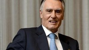 Cavaco lembra que Portugal defendeu libertação de Mandela