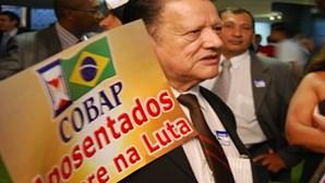 Reformados brasileiros revoltados após dez anos de perdas