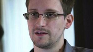 Snowden propõe ajudar Brasil em troca de asilo político