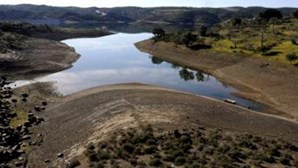 """Ambientalistas alertam que Portugal está """"a viver de água que não tem"""""""