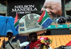 As cerimónias decorrem no estádio Cidade do Futebol, no Sowewto, África do Sul
