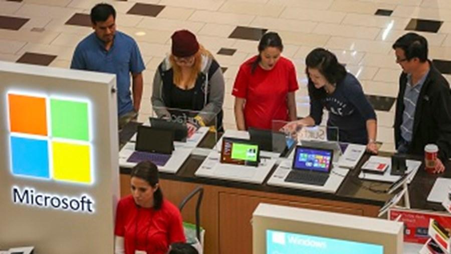 Microsoft também deslocalizou para a Grécia e Brasil serviços de apoio ao cliente