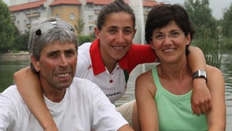Vanessa Fernandes, com os pais Venceslau Fernandes e Maria Hermínia