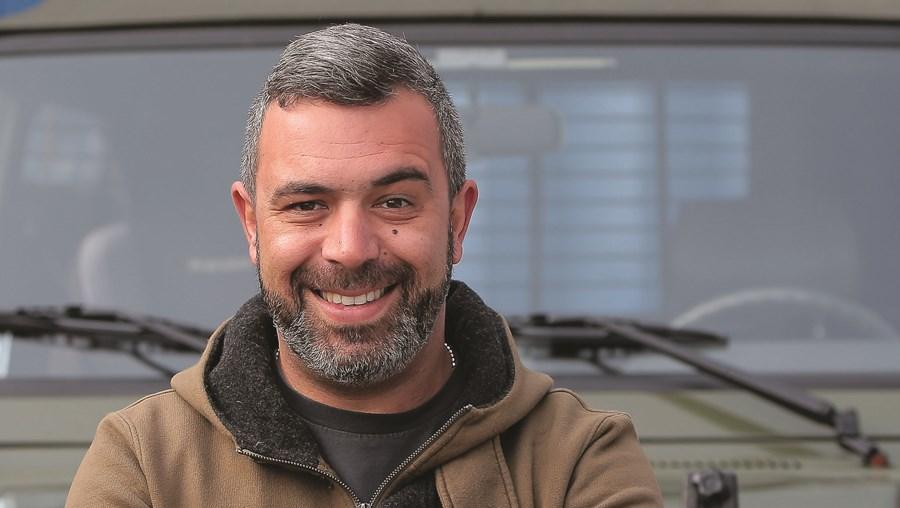 Pedro Alves: 'Não ando de rabo ao léu com amigos'