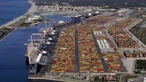 Porto italiano fará transbordo de químicos na Síria