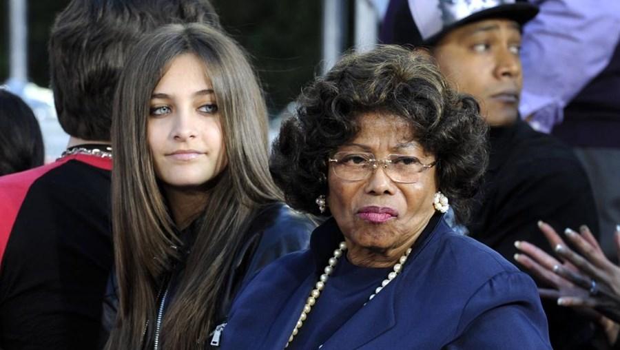 Katherine Jackson com Paris Jackson, uma das filhas de Michael Jackson