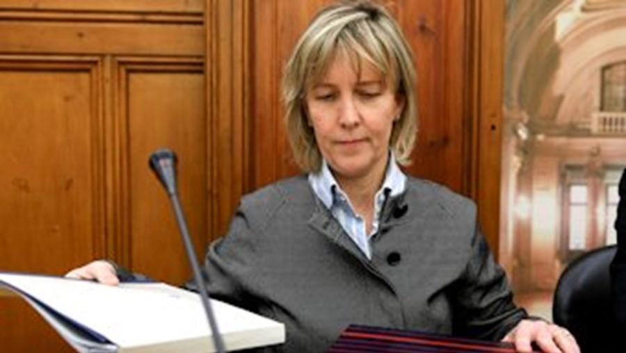 A ministra Maria Luís Albuquerque assinou despacho com as tabelas de IRS que vigoram em 2014
