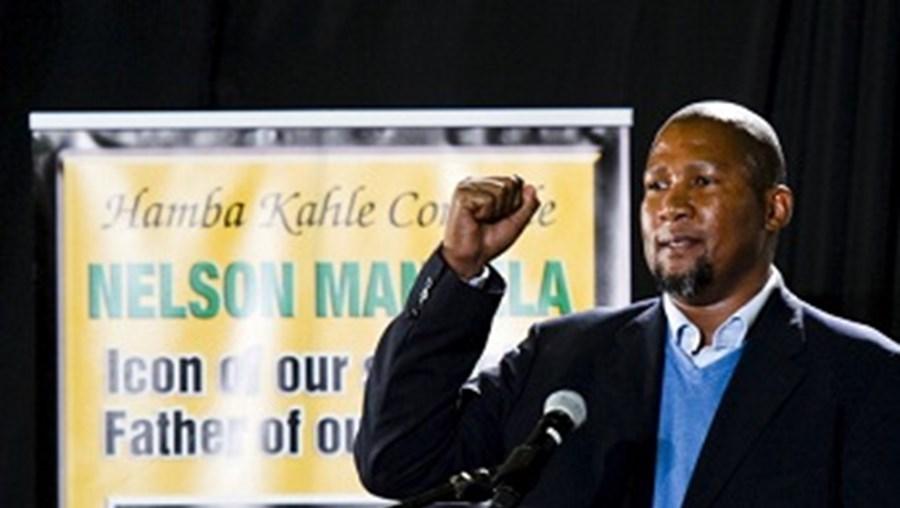 Mandla Mandela enfrenta a justiça num caso de agressão e ameaça com arma de fogo