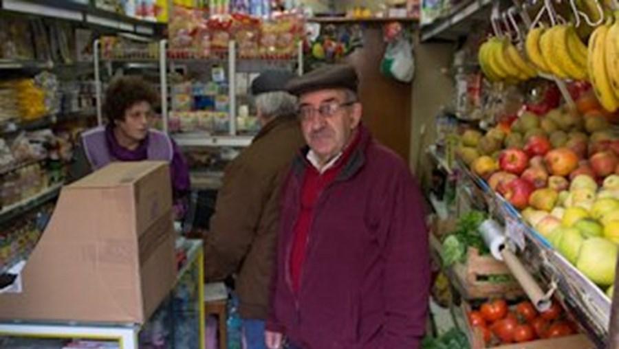 José e Fernanda Januário viveram momentos de pânico quando os ladrões entraram na mercearia