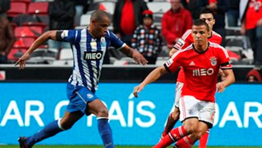 O médio Fernando termina contrato com o FC Porto em junho