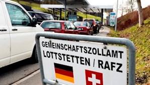 UE admite rever laços com a Suíça