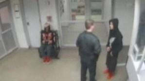 Vídeo mostra Justin Bieber a fazer flexões na prisão