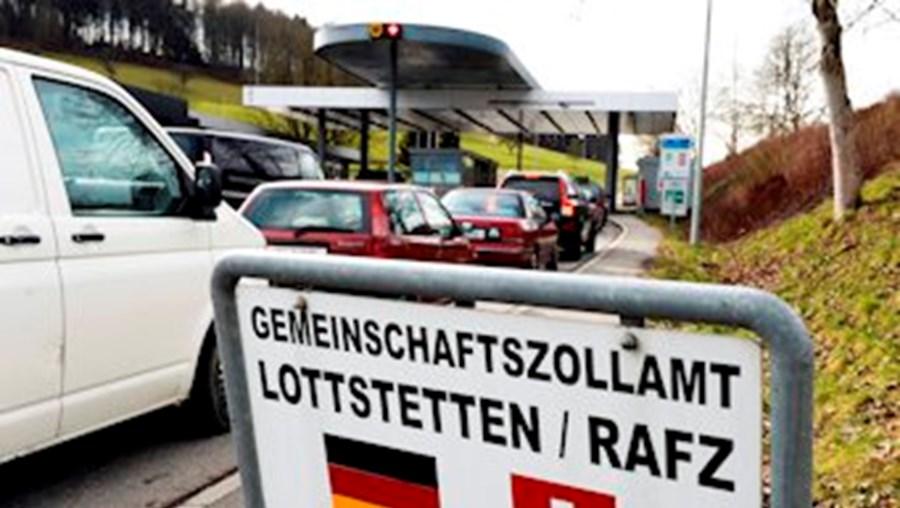 'Sim' suíço à imposição de quotas para imigrantes da UE causou ondas de choque na Europa